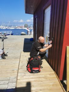 Carl Christian monterer lås på Hovedøya